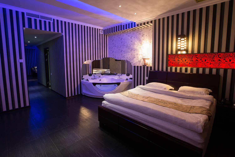 rooms_with_jakuzi_4