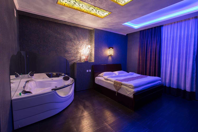 rooms_with_jakuzi_7